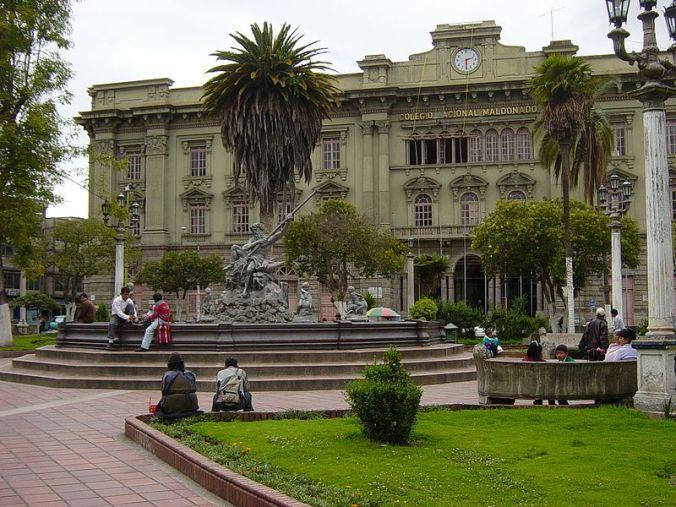 Ecuador_Riobamba_ParqueMaldonada