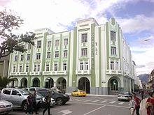 Edificio_de_la_Prefectura_de_Loja.jpg